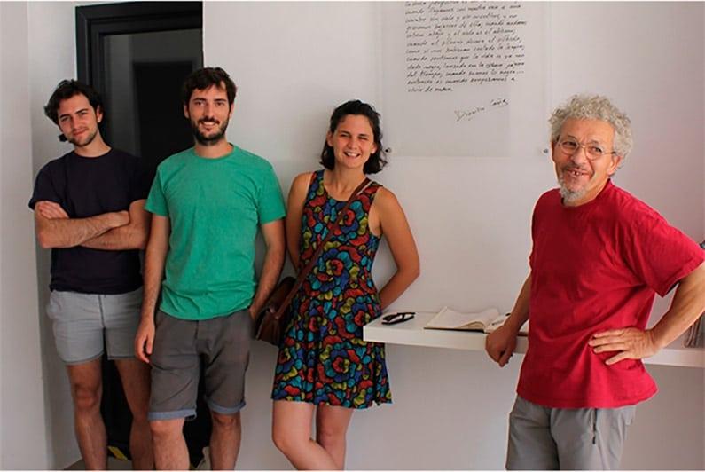 Pepe Buitrago con los jóvenes artistas residentes en 2016